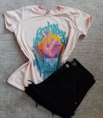 T-Shirt Feminina no Atacado Flamingo Good Vibes