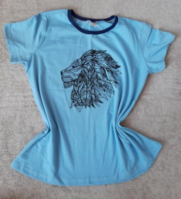 T-Shirt Feminina no Atacado Leão