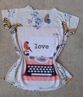 T-Shirt Feminina no Atacado Máquina de Escrever Love