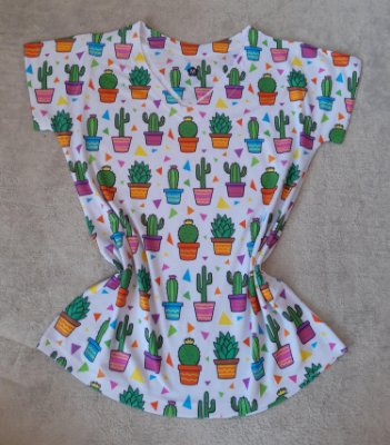 T-Shirt Feminina no Atacado Cactos Coloridos