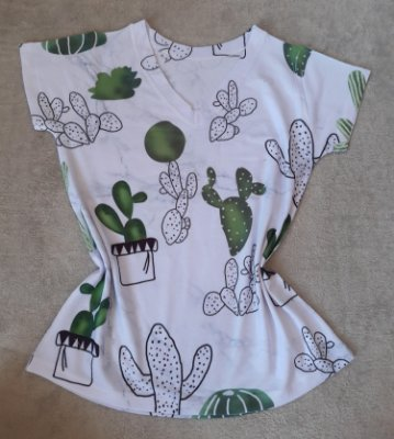 T-Shirt Feminina no Atacado Fundo Cactos