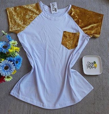 T-Shirt Feminina no Atacado Branco e Dourado