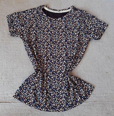 T-Shirt Feminina no Atacado Flores Pequenas
