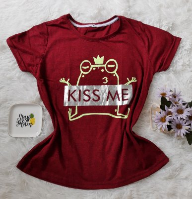 T-Shirt Feminina no Atacado Kiss Me