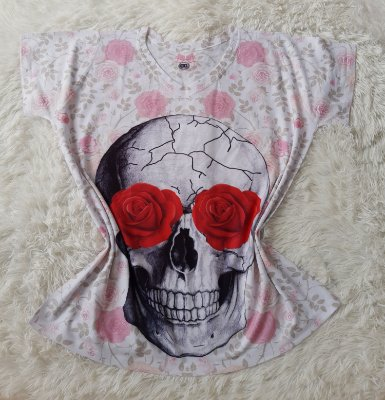 T-Shirt Feminina no Atacado Caveira Grande Rosas