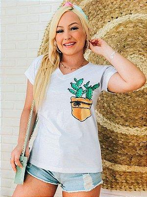 T-shirt Feminina Cactos no bolso