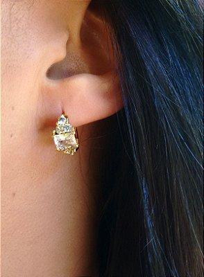 Brinco argola feminina com pedra folheado a ouro 18k