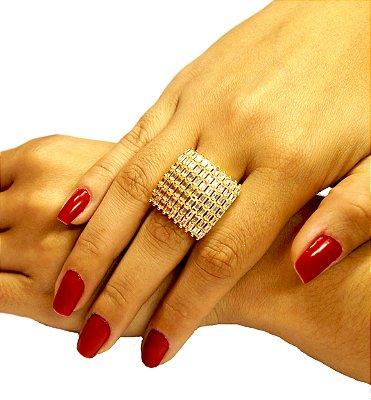 Anel pedra cravejado com navetes cristais folheado a ouro 18k