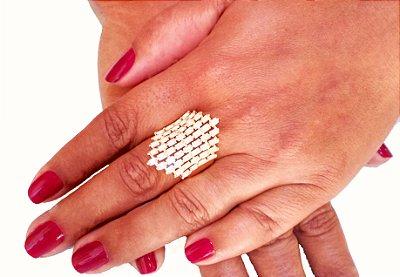 Anel folheado a ouro 18k fashion com navetes cristais