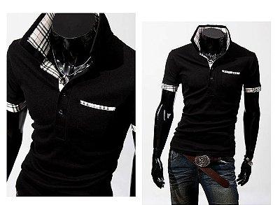 Camiseta Masculina Detalhe Xadrez Preta