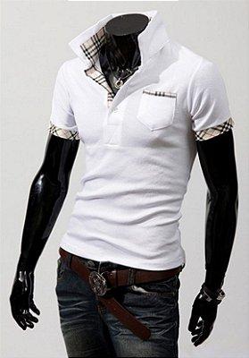 Camiseta Masculina Detalhe Xadrez Branca