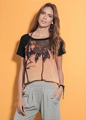 T-Shirt Estampa Coqueiros com Leve Transparência