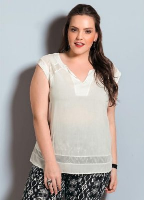 Blusa Off White com Transparência Plus Size