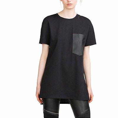 T-shirt com Bolso de Couro - 2 cores