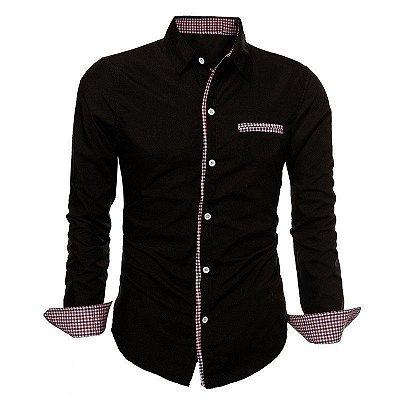 Camisa Masculina com Detalhes Xadrez na Gola, Mangas e Bolso - Preta