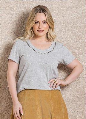T-Shirt com Aplicação Mescla Plus Size
