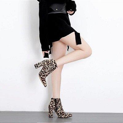 Bota Fivelas Leopardo
