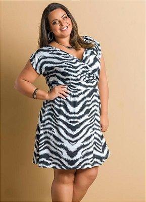 Vestido de Manga Curta Estampa Zebra Plus Size