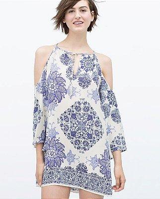 Vestido Estampado Azul e Branco Off Shoulder