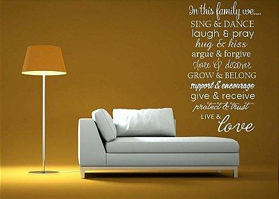 Adesivo de Parede - Frase Family