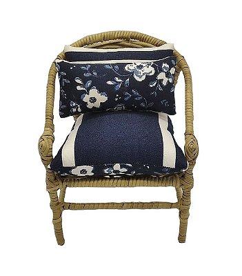 Mini cadeira decorativa em junco flores e listras azul marinho