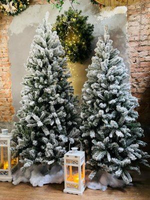 Árvore de Natal com flocos de Neve 2,1m