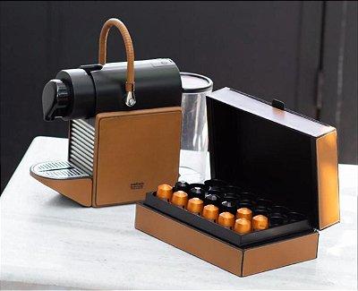 Maquina Nespresso Pixie revestida em couro