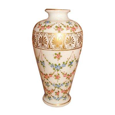 Vaso Baccarat opalina com flores