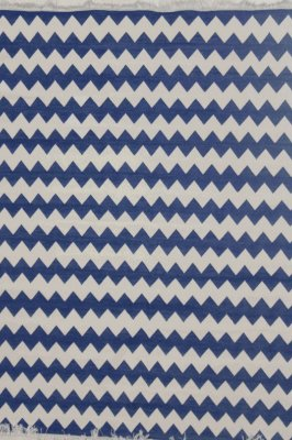 Tapete Chevron Azul e Branco (3m x 2m)