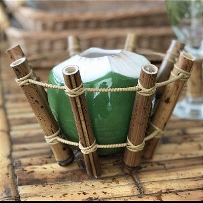 Porta Coco de Bambu com Coco em Cerâmica
