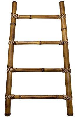 Escada baixa de bambu