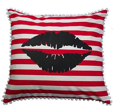 Capa de Almofada boca com listras vermelhas