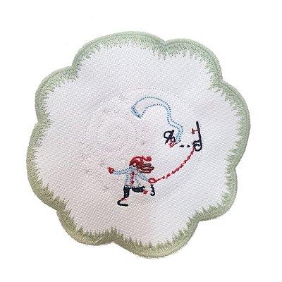 Porta copos bordado menina patinando (set com 6)