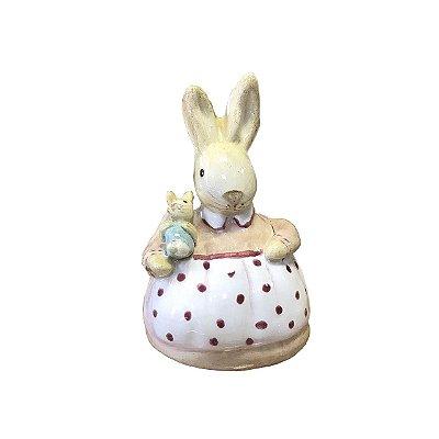Mini coelha com filhote e avental de bolinhas Zanatta Casa