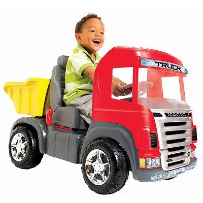 Caminhão Truck Pedal Vermelho C/ Som e Luz - Magic Toys