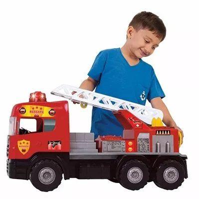 Caminhão Super Bombeiro C/ Sons e Luzes - Magic Toys