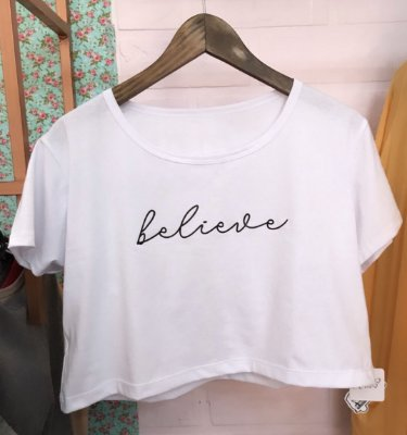 Cropped com manga BELIEVE