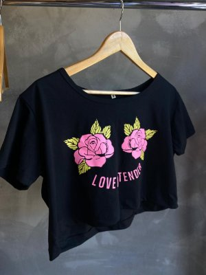 Cropped com manga LOVE ME TENDER