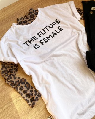 T-shirt Max FUTURE IS FEMALE