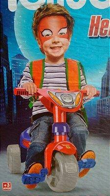 Triciclo Tchuco Heróis Super Teia Com Haste
