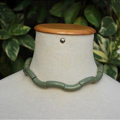 Colar tubo verde