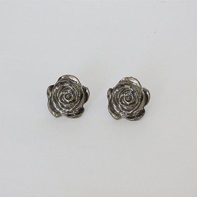 Brinco flor metal