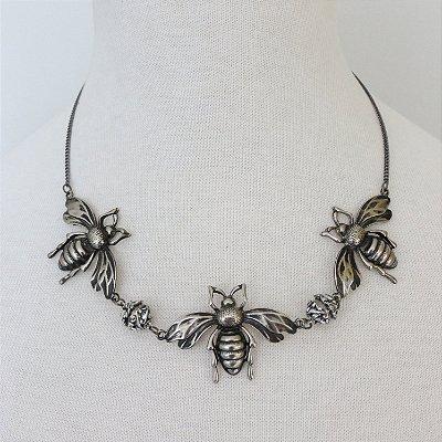 Colar besouros