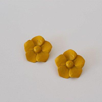 Brinco flor metal colorido