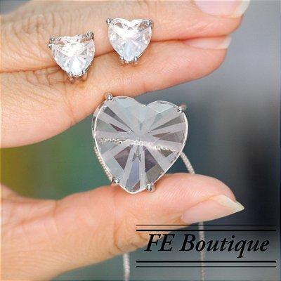 Conjunto Colar e Brincos Coração Cristal de Vidro Prata - 2 cm