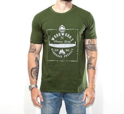 Camiseta Woodworks O Lenhador - VERDE