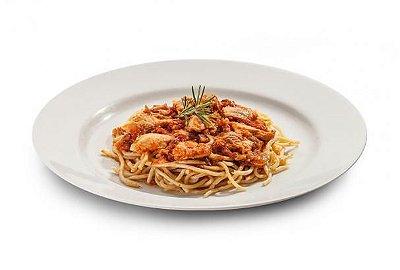 Spaguetti integral com frango ao molho vermelho