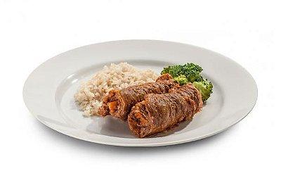 Bife a rolê recheado com cenoura (acompanha arroz integral e brócolis)