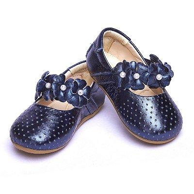 Sapato Baby Couro Perfurado. Azul Marinho Metalizado.