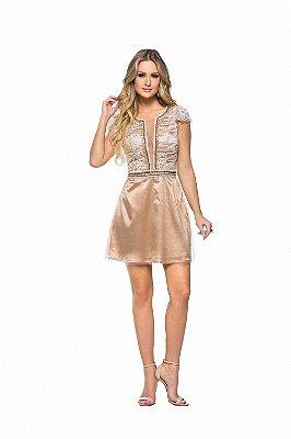 Vestido Dourado com Bordado e Tule